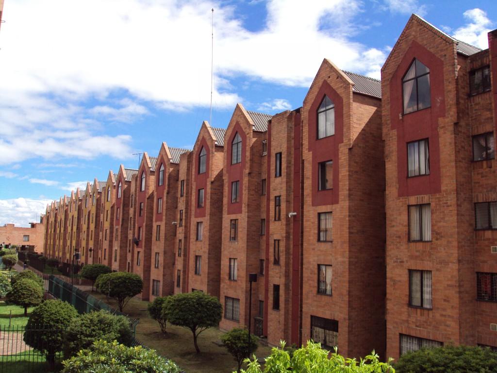 ¿Qué viviendas se aseguran más? Las comunidades de vecinos.