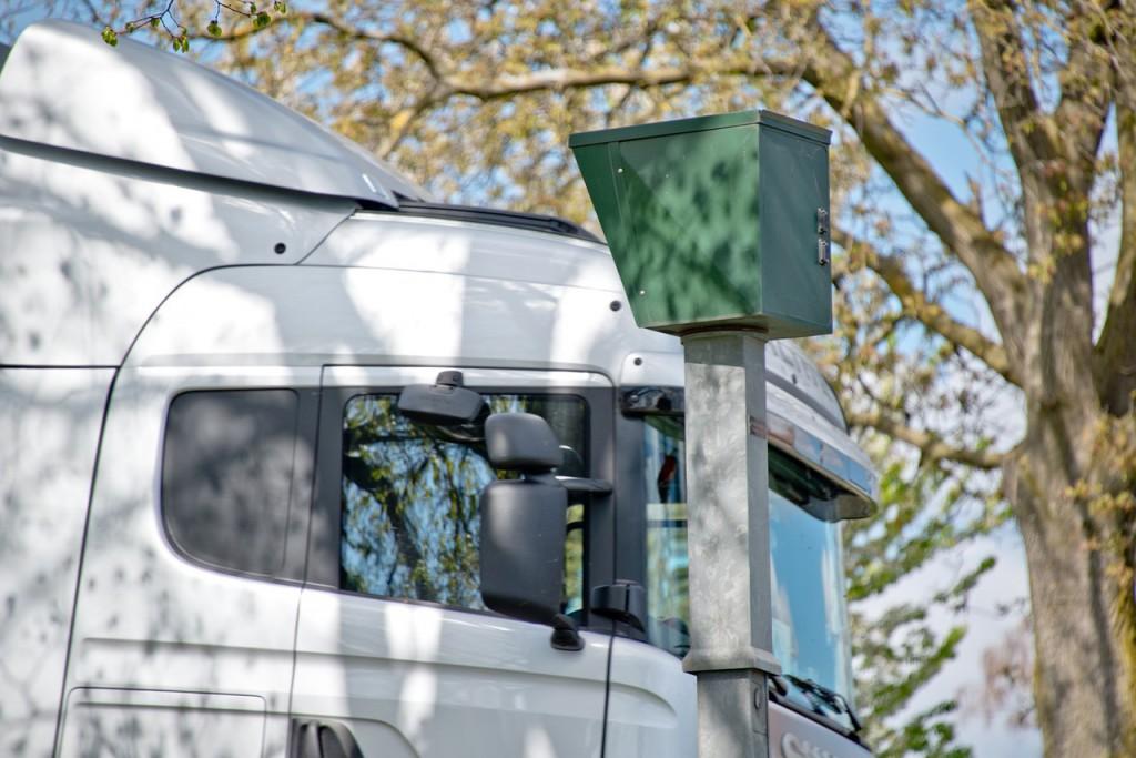 Los distintos radares que hay en la carretera.