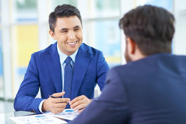 Sigue estos 5 pasos después de una entrevista de trabajo.