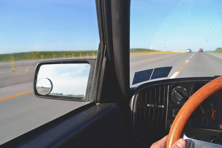 Consejos de conducción para mayores de 65 años