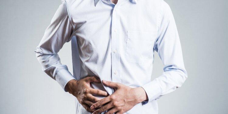Causas y tratamiento del dolor de estómago y gases
