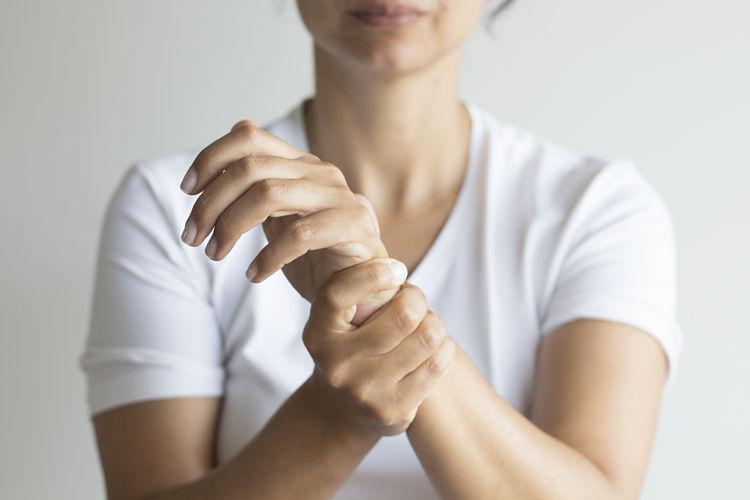 Causas, síntomas y tratamiento del síndrome del túnel carpiano